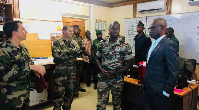 VISITE DU COMMANDANT, LES ELEMENTS FRANÇAIS  AU SENEGAL